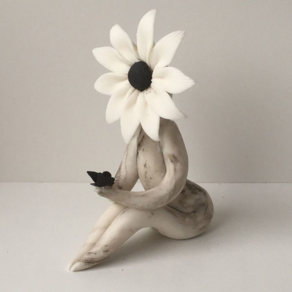 Daisy Flower Sculpture