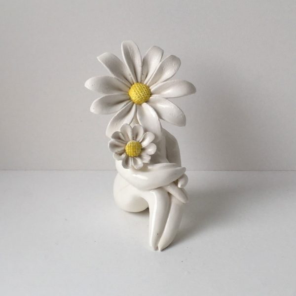 Miss Daisy Mum ceramic sculpture